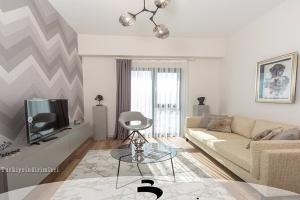 HOME-SAL-5072-PIC1